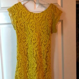 XS yellow lace dress with scoop neck